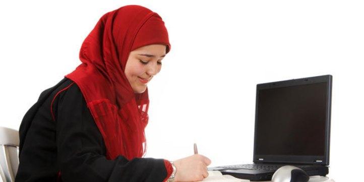 Cara Muslimah Bekerja dan Mengelola Rumah Tangga