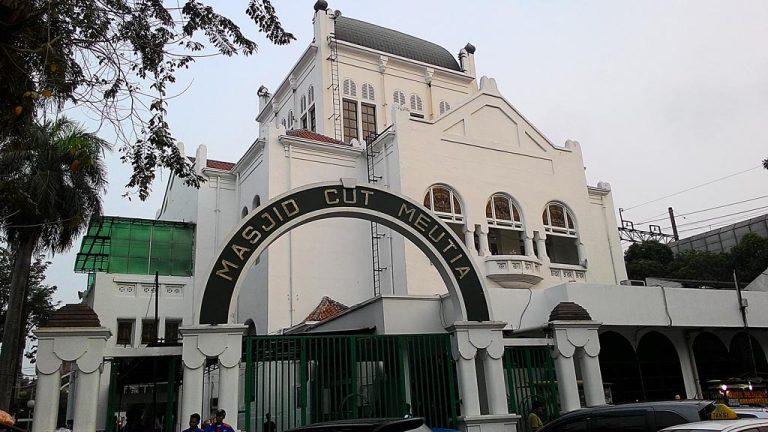 Masjid Cut Meutia: Bangunan Tua Belanda yang Kini Beralih Fungsi