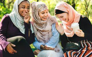 """Ini Dia, Tips """"Make Up"""" Ala Muslimah"""