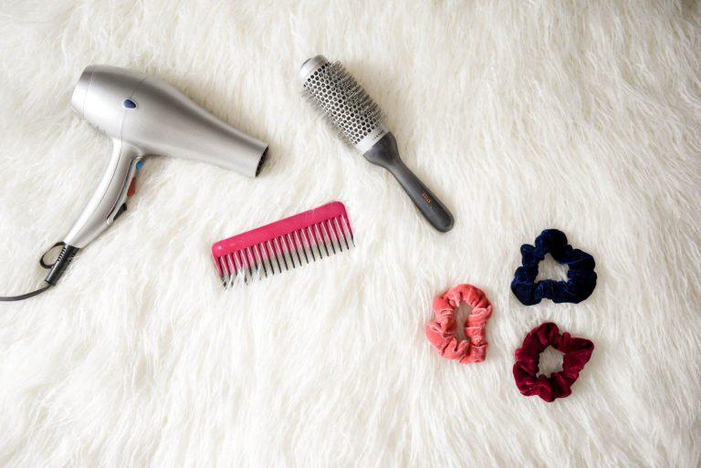 Potongan Rambut Ternyaman Untuk Wanita Berhijab Versi Emak